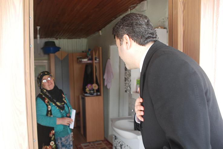 Başkan Eroğlu'dan Çat Kapı Ziyaret