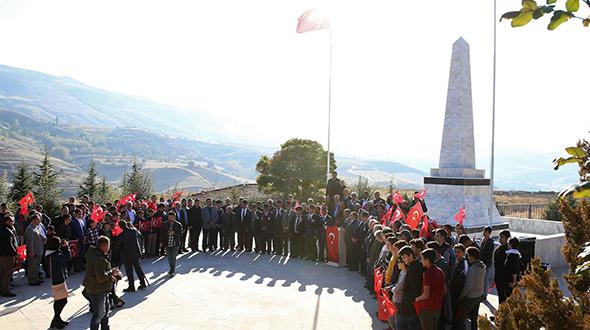 GAZİLER KIBRIS'A, HAFIZLAR ÇANAKKALE'YE DUALARLA UĞURLANDI